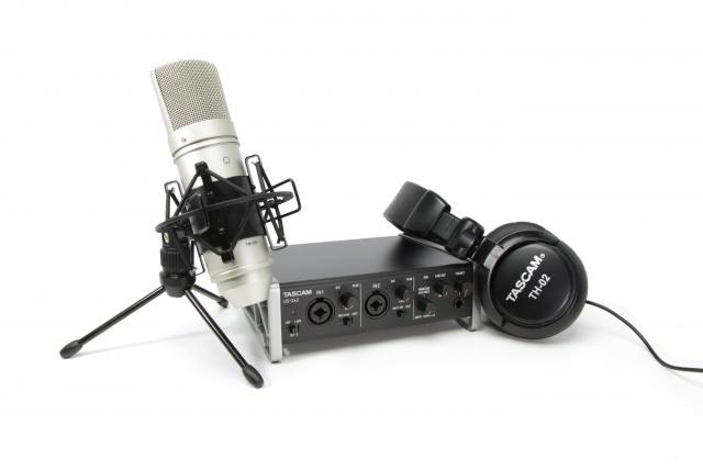 Аудиоинтерфейс TASCAM TrackPack 2x2