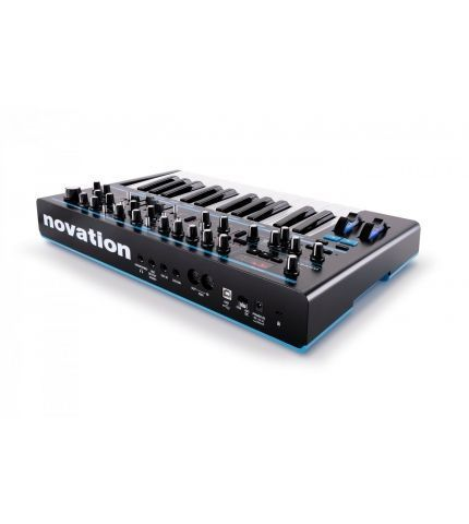 Фото 3 Синтезатор Novation Bass Station II